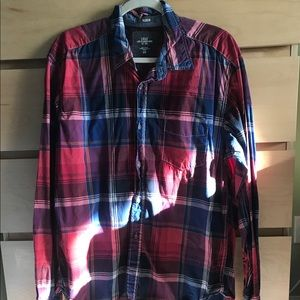 H&M red, blue and white plaid button down GUC